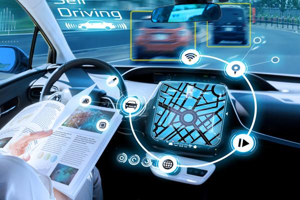 Miért félünk az önvezető autóktól?