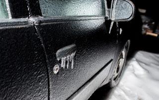 jégréteg a kocsin